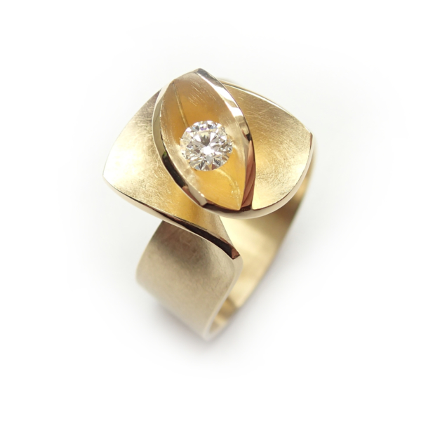 Cardillac Design ring Iris, geelgoud met diamant